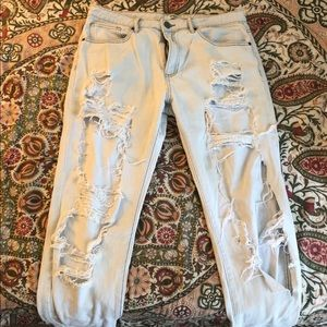 Forever 21 Boyfriend Distressed light washed jeans